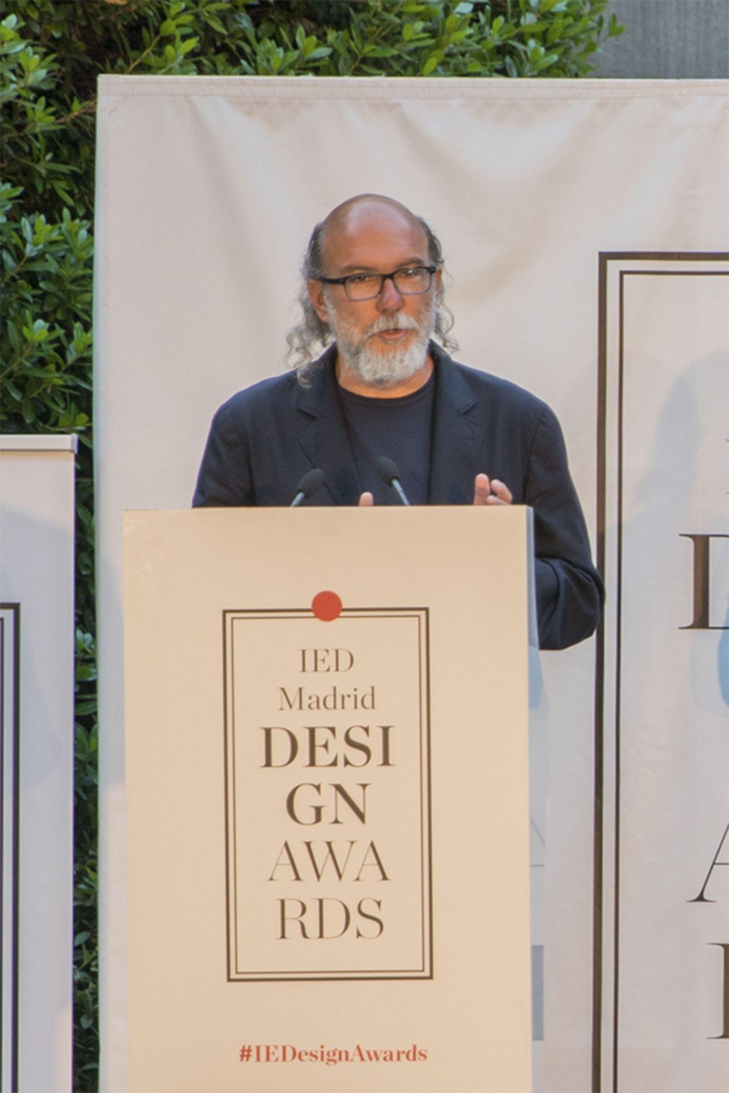 El publicista Toni Segarra, premio de honor IED Design Awards a toda una carrera dedicada a la creatividad