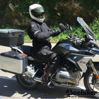 Beebiker aclara qué se debe llevar en la maleta cuando se viaja en moto