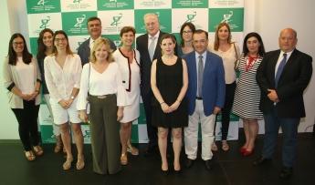 Miguel Ángel Gastelurrutia junto a varios miembros de la nueva Junta de Gobierno y Vocalías del COFG.