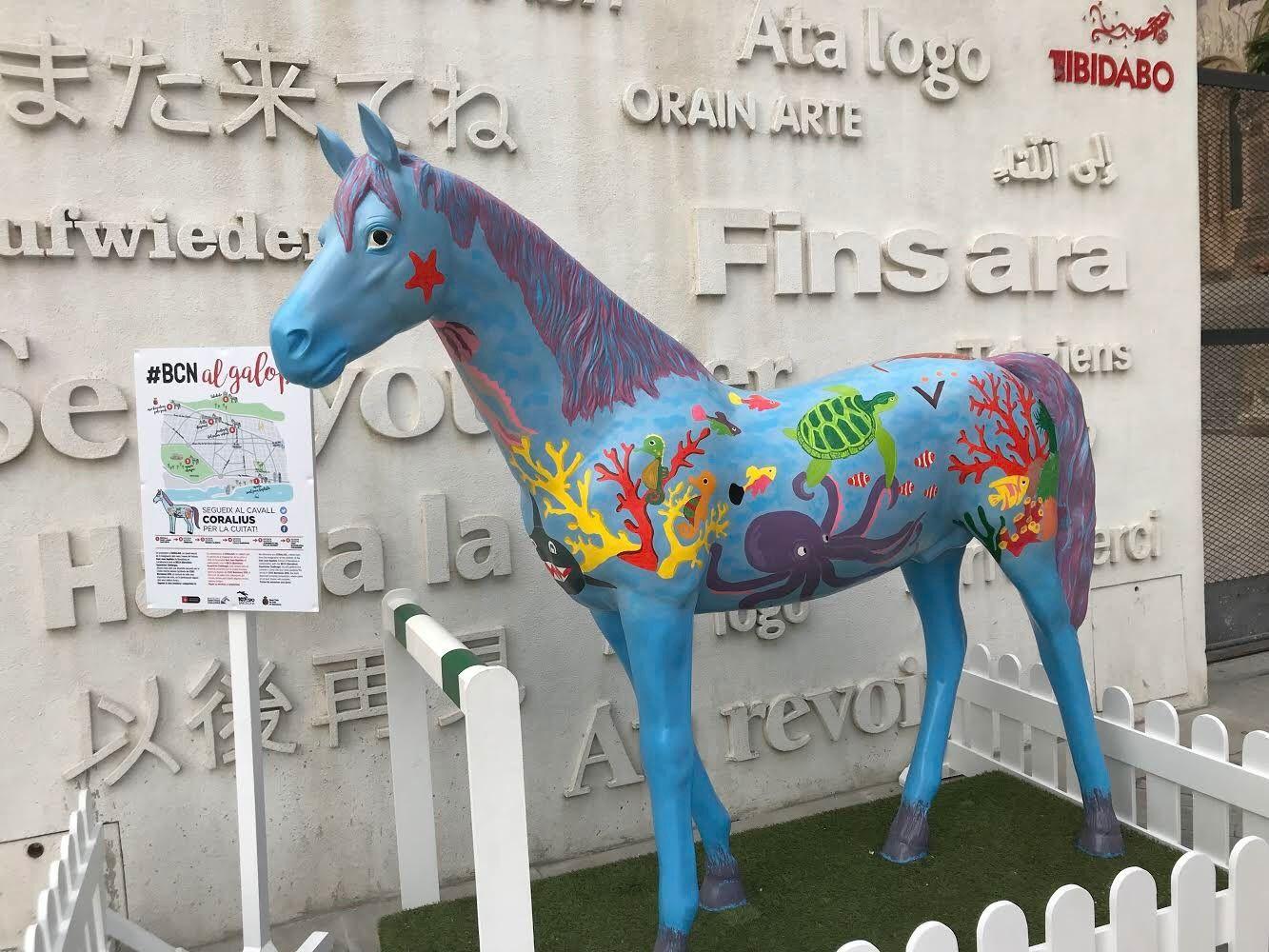El caballo Coralius de #BCNalgalop inicia su tour por la ciudad
