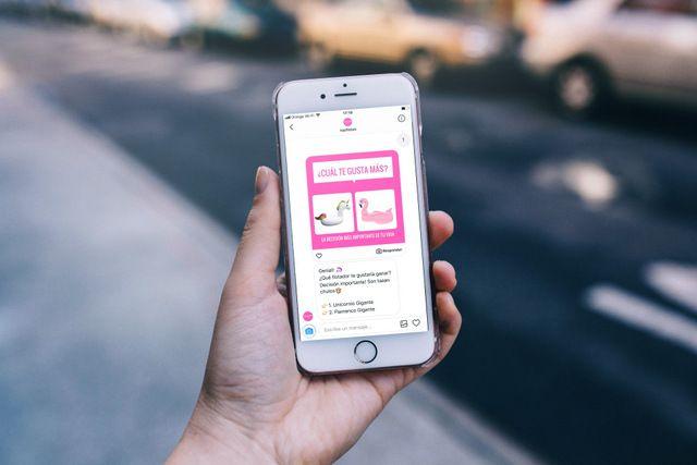 Foto de 'Floti', el primer chatbot de Instagram en España