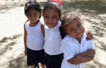 EUROCESPED para Leona (Nicaragua): de cómo el césped artificial puede alimentar a un niño durante un año