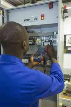 Schneider Electric y los Jesuitas lanzan dos programas de formación en la República Democrática del Congo