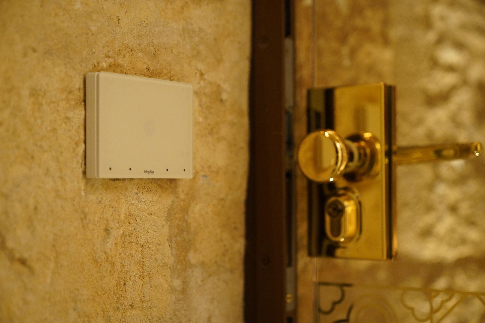 Foto de Soluciones de control y domtica en las habitaciones del hotel