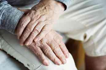 Aumenta el número de la demanda de cuidadores en España