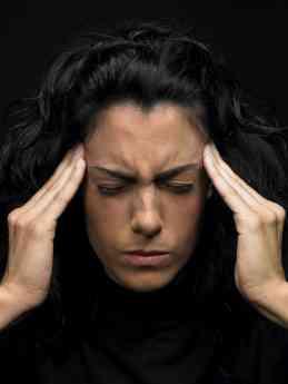 Foto de Mujer con ataque de migraña