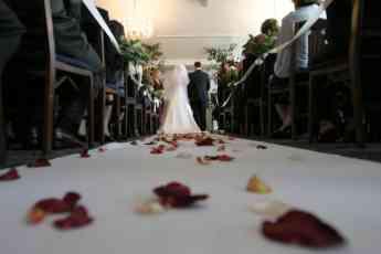 España celebra más bodas a pesar del desembolso medio de 17.000 euros por enlace