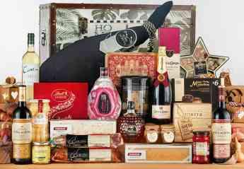 Navipack, el negocio que cuida la tradición de regalar cestas en Navidad