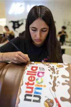 Dos alumnas de IED rediseñan el logo de Nutella Unica