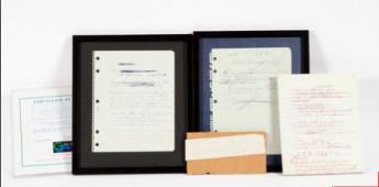 Foto de Conjunto de dos letras inéditas a mano originales, de Bruce