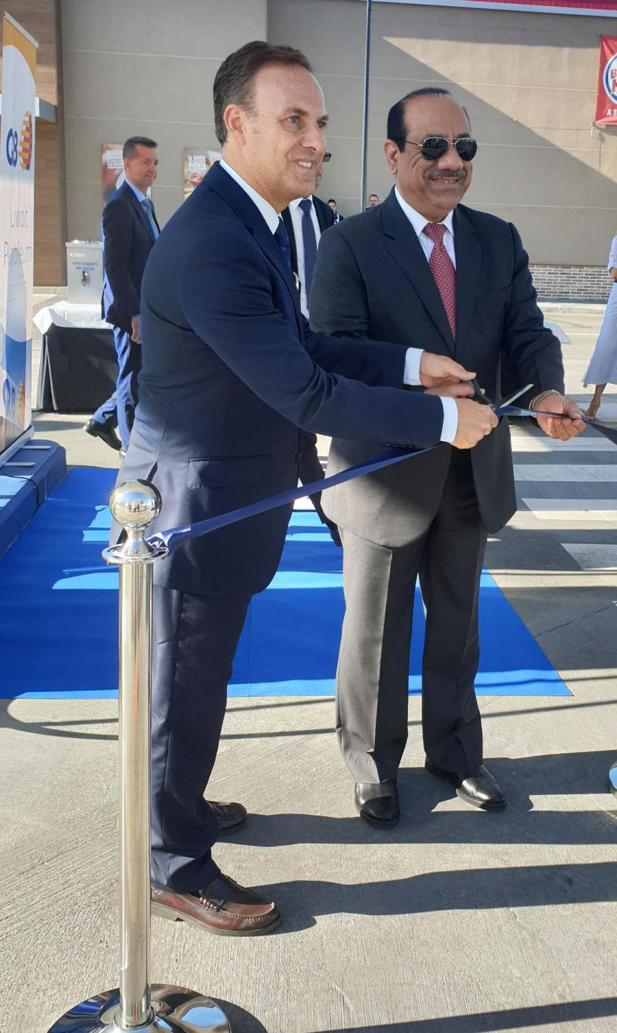 Foto de Inauguración de la estación de servicio de Kuwait Petroleum