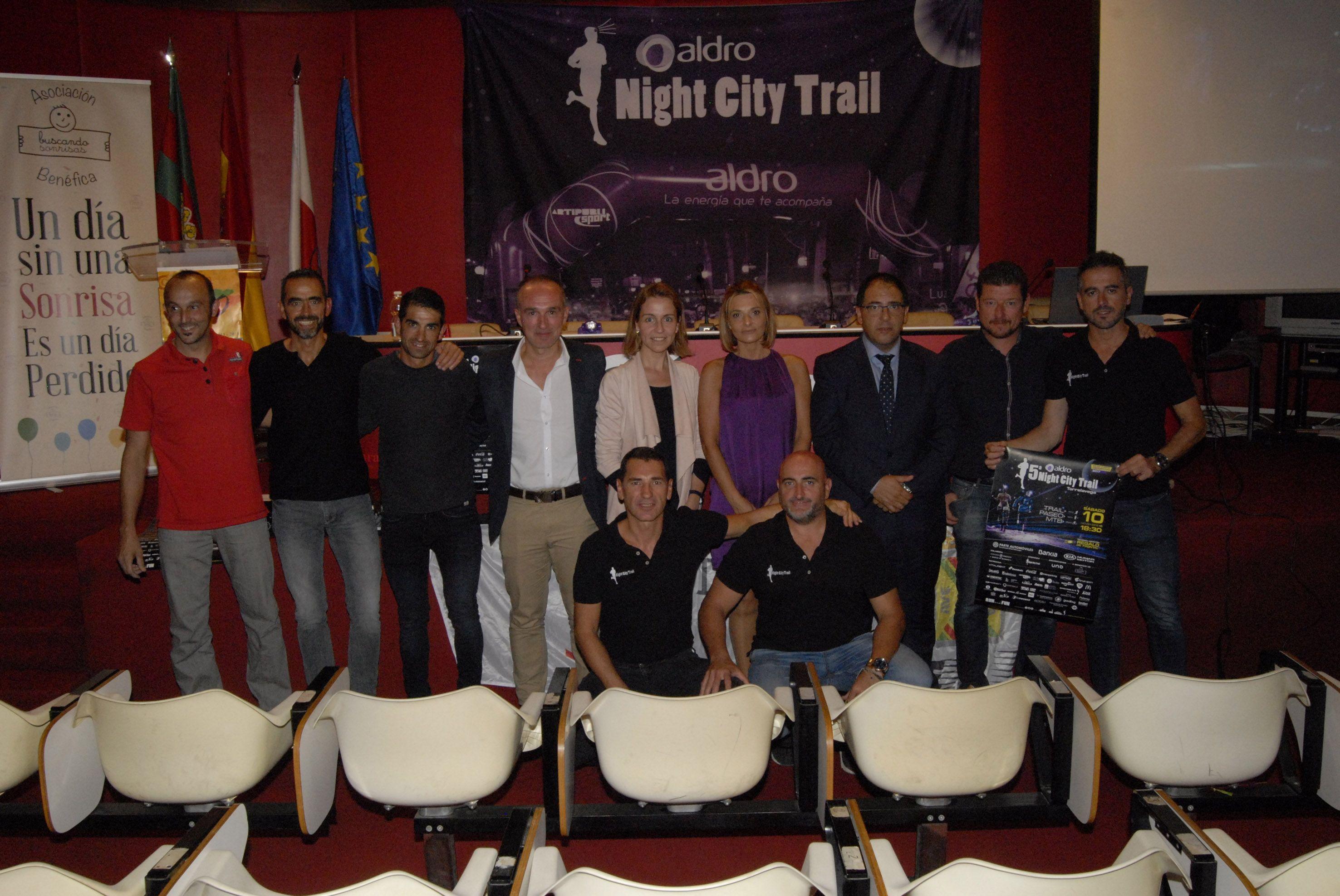 Fotografia Aldro Energía Carrera Aldro Night City Trail