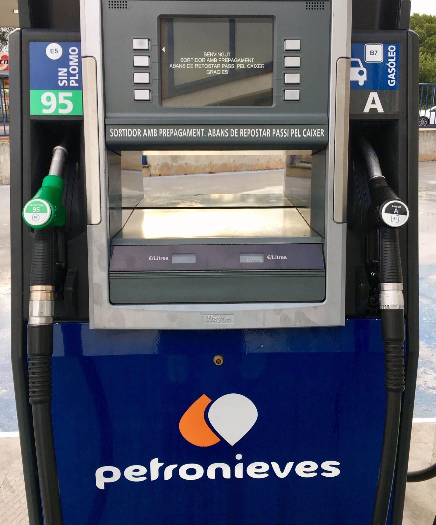 Fotografia Nuevo etiquetado combustibles