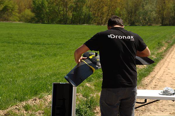 Dronak crea drones a medida para la industria