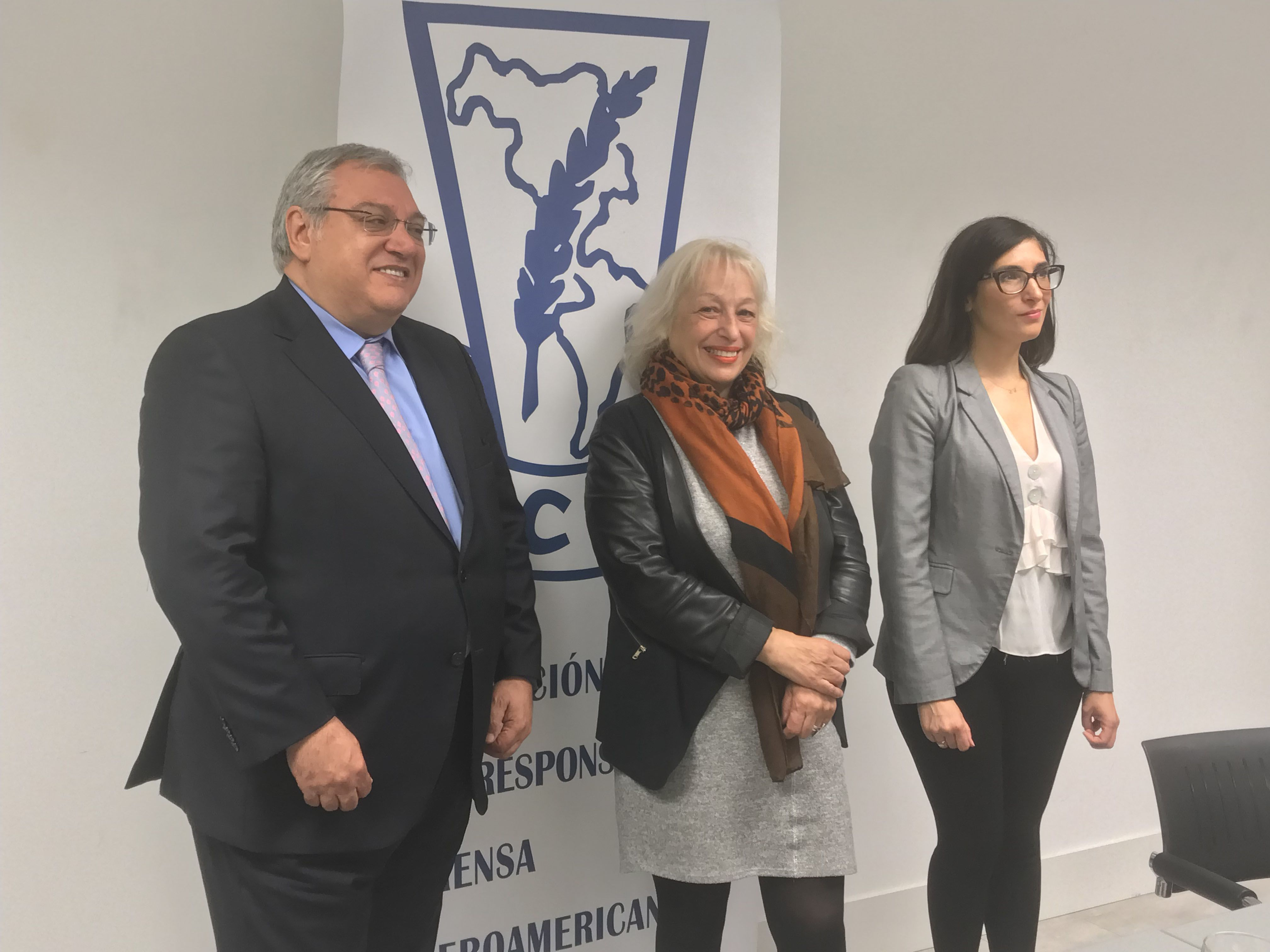 Foto de Gerardo Correas, presidente EIP, Sully Fuentes, presidenta