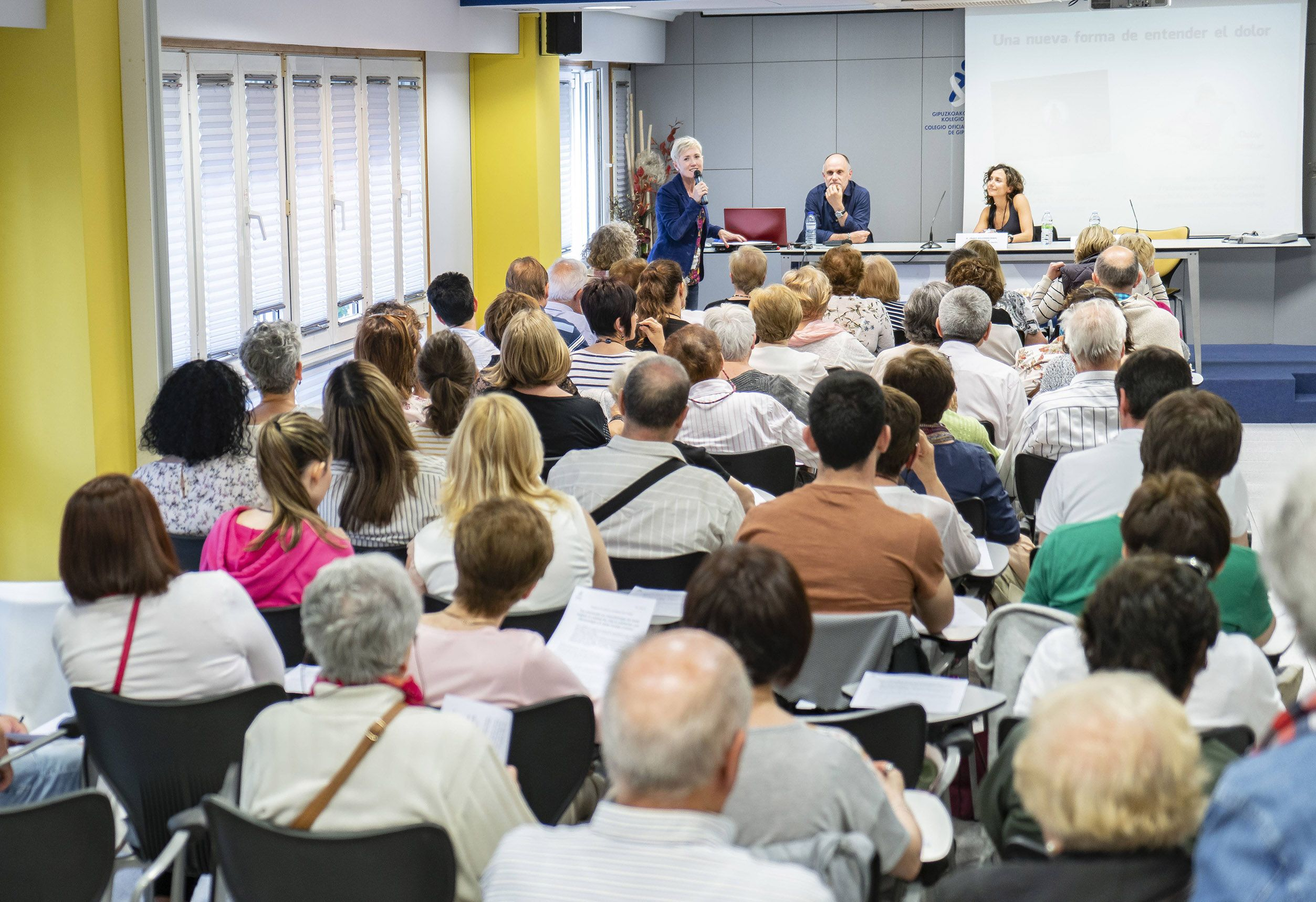 Foto de Imagen de una de las charlas para la ciudadanía celebrada