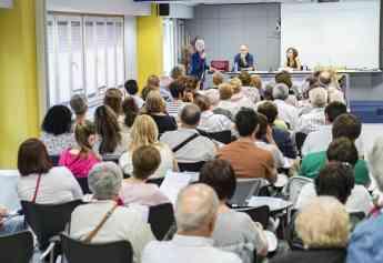 Imagen de una de las charlas para la ciudadanía celebrada este año