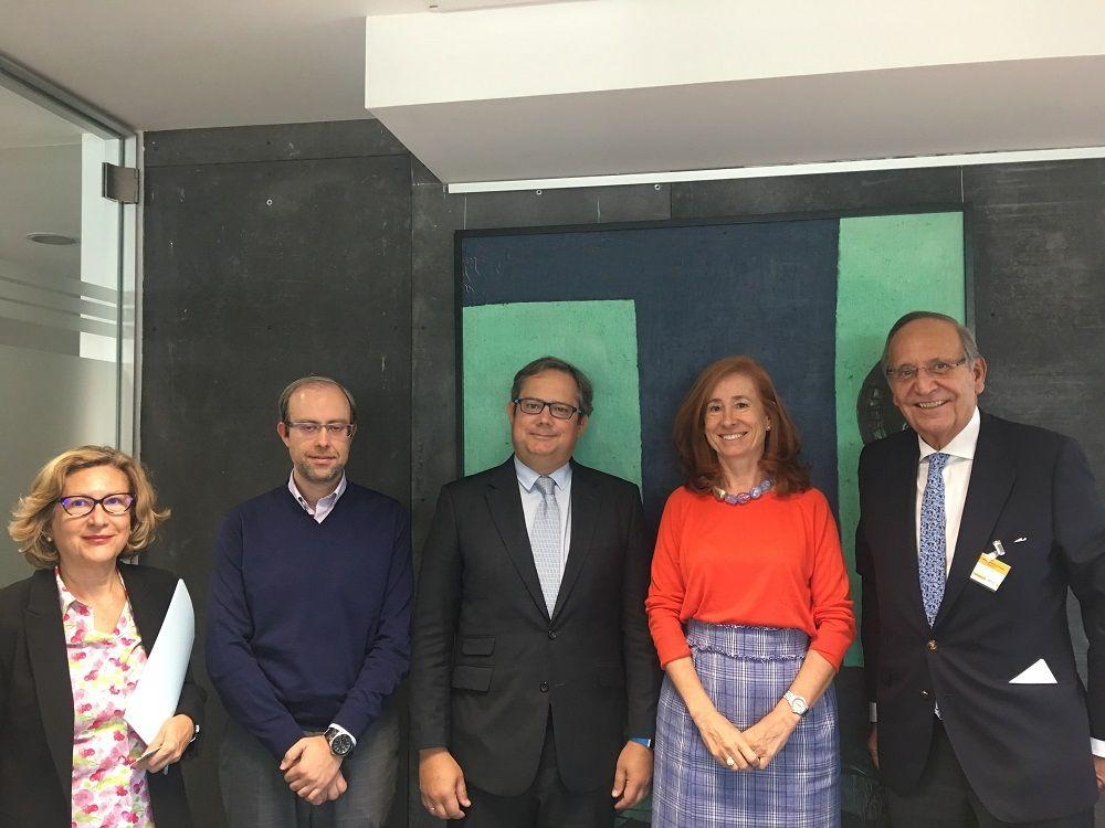 Foto de FECE se reúne con el nuevo Dir. Gral. de Política Comercial