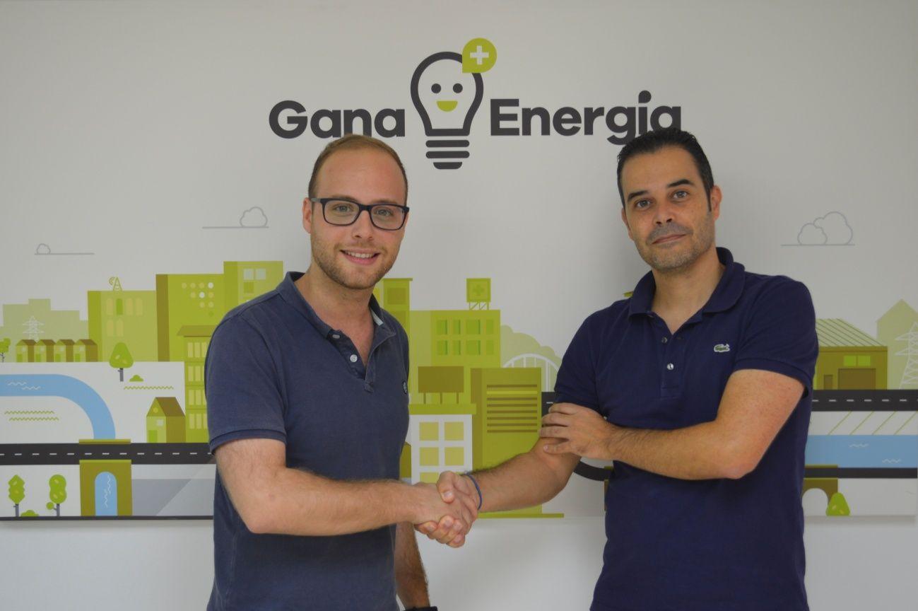 Foto de Hugo Mestre de WallboxOK y Ricardo Margalejo de Gana Energía