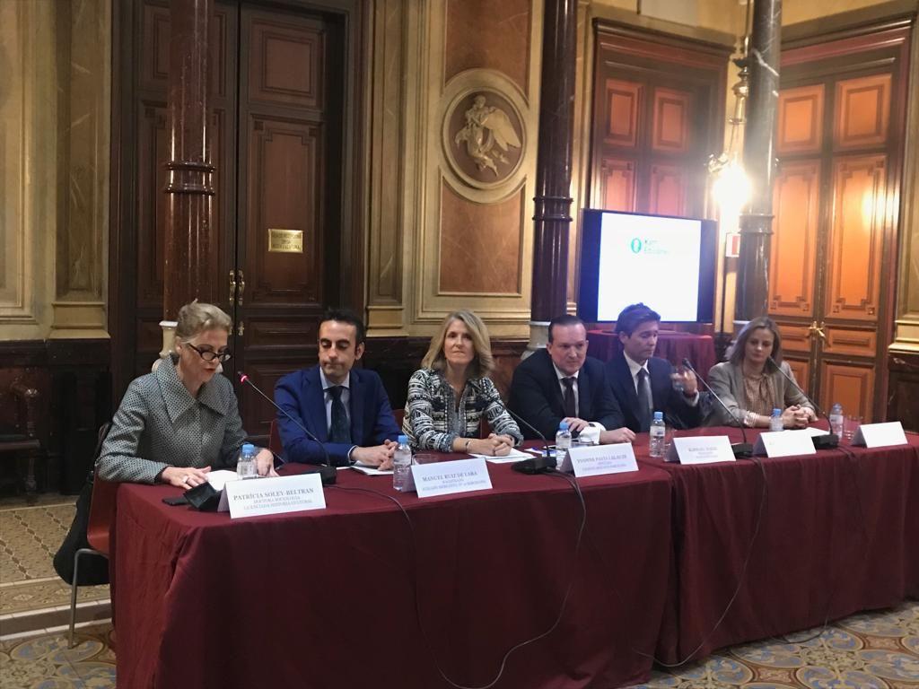 Fotografia Intervención de los ponentes durante la presentación del