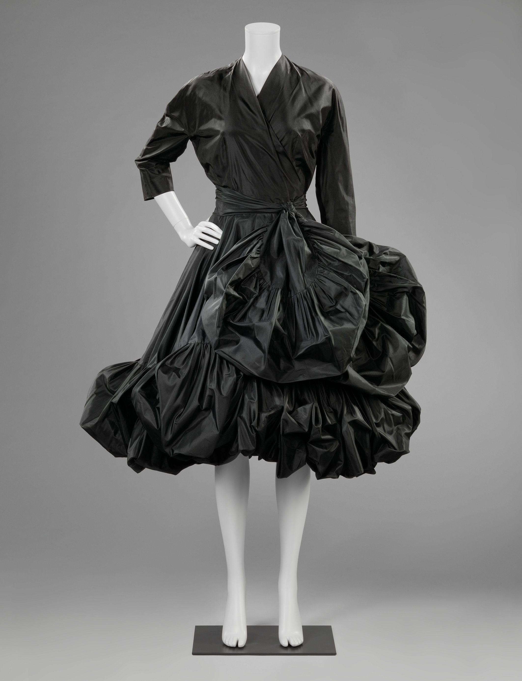 Foto de Una de las creaciones del maestro Balenciaga, conservada en