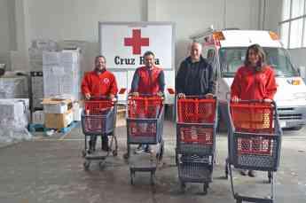 Entrega de los carritos solidarios de ITM Polycart a Cruz Roja Valencia.