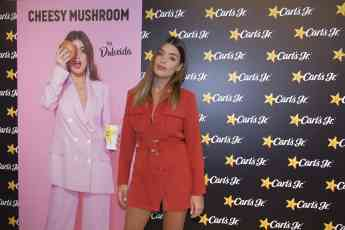 ¡Carl's jr. celebra en Madrid el lanzamiento de su nueva 'Cheesy mushroom burger by Dulceida'!