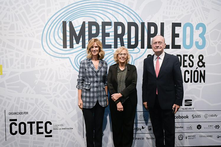 Foto de Cristina Garmendia, Manuela Carmena y Francisco de la Torre