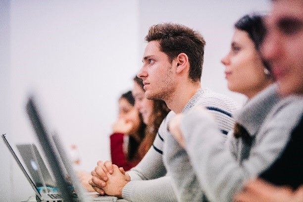 Foto de Más de 4000 alumnos de 90 nacionalidades inician el curso en