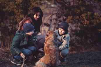 Crecer con perros, una terapia estupenda sobre todo para niños con TDAH