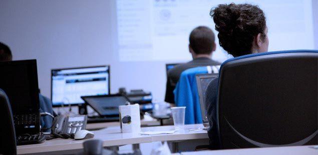 Foto de Trabajadores en la sede central de VASS