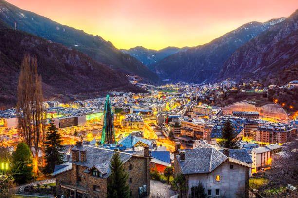 Fotografia Firma nueva agencia Andorra