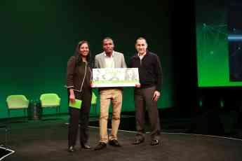 Un innovador invernadero de paneles solares organicos gana la competicion Go Green in the City 2018 de Schneider Electric