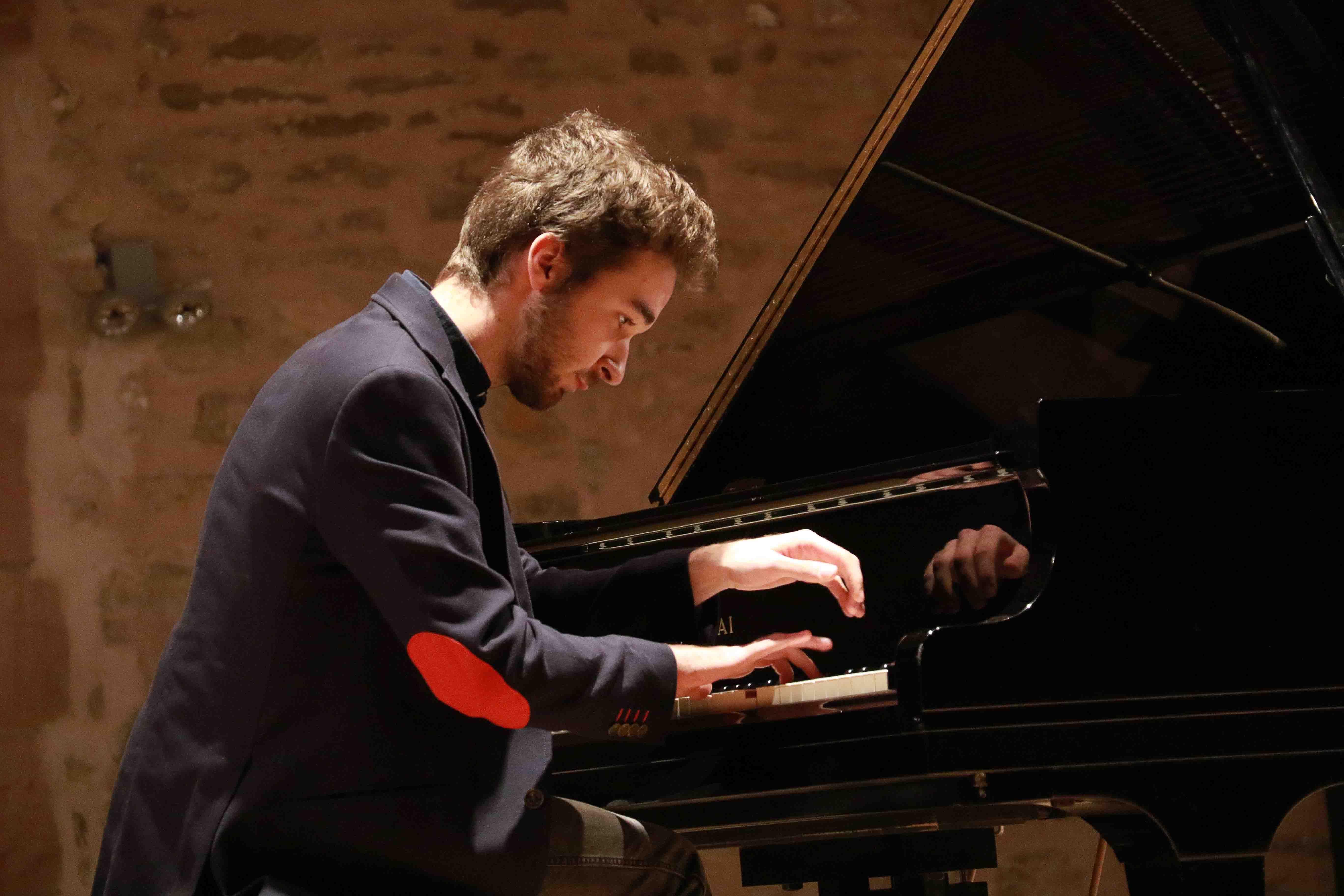 Foto de Al piano