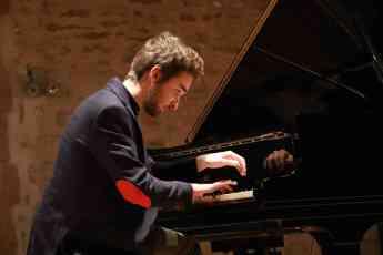 Al piano