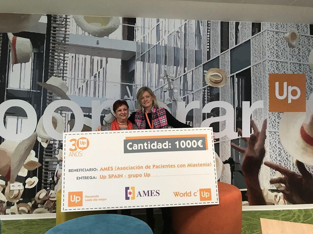 Fotografia Entrega Cheque Solidario