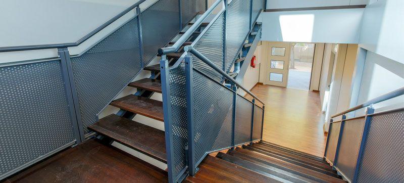 Fotografia Escaleras Colegio Modular