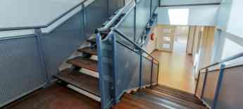 Foto de Escaleras Colegio Modular
