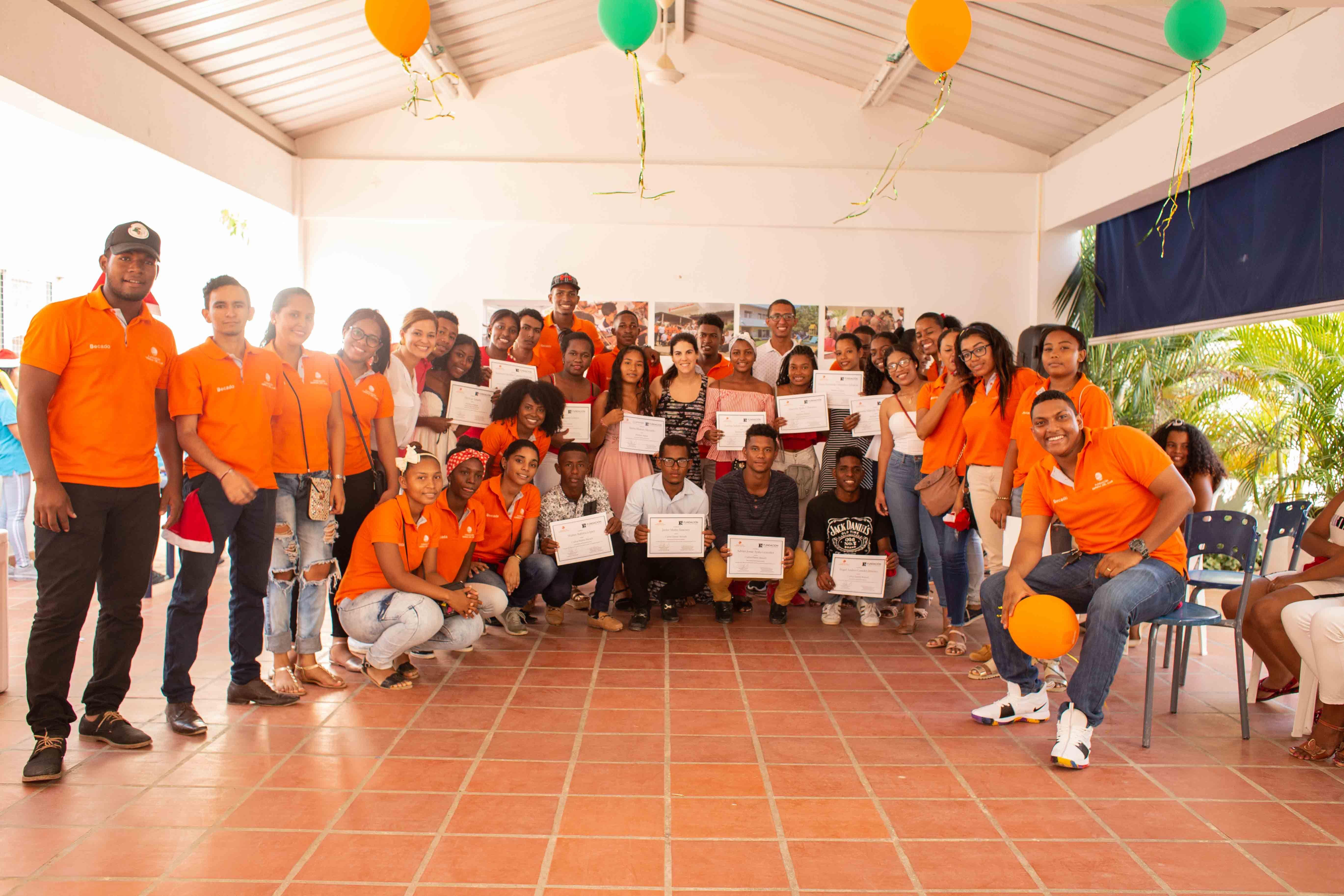 """Becas universitarias """"Carlos Haime Baruch y Marlene Haime"""" otorgadas en zona norte de Cartagena"""