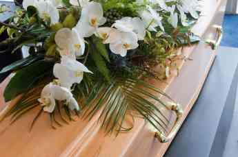 Comprar centros florales online para tanatorios será tendencia en 2019, según Floristería del Tanatorio