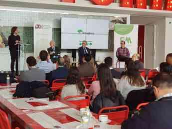 Antonio Tena presenta en Málaga 'La Tienda del Futuro'
