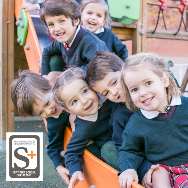 Fotografia Certificado de calidad S+ Colegio Aldeafuente-Madrid