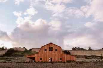 La experiencia de boda americana llega a Burgos con El granero de San Francisco en el Monasterio del Espino
