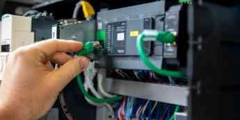 Barberan confía en Schneider Electric como partner estratégico para crear una nueva línea de formación de paneles