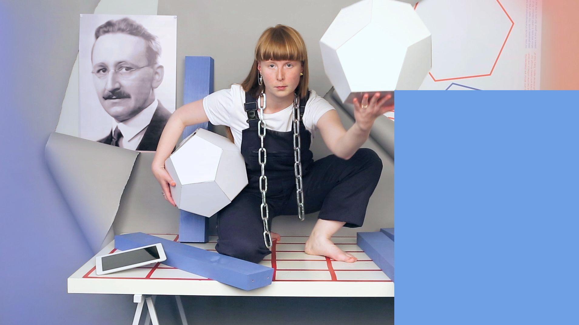 Foto de Tereza Ruller, abanderada del diseño performativo, en IED