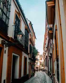 Aumenta el número de huéspedes de los apartamentos turísticos en Sevilla, según Hoteles por Andalucía