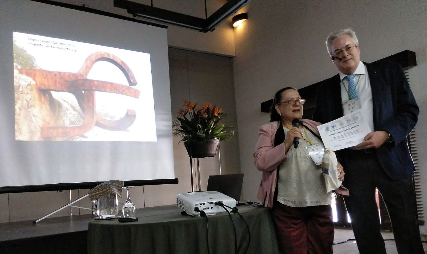 Foto de Foto: Miguel Ángel Gastelurrutia tras su intervención en el