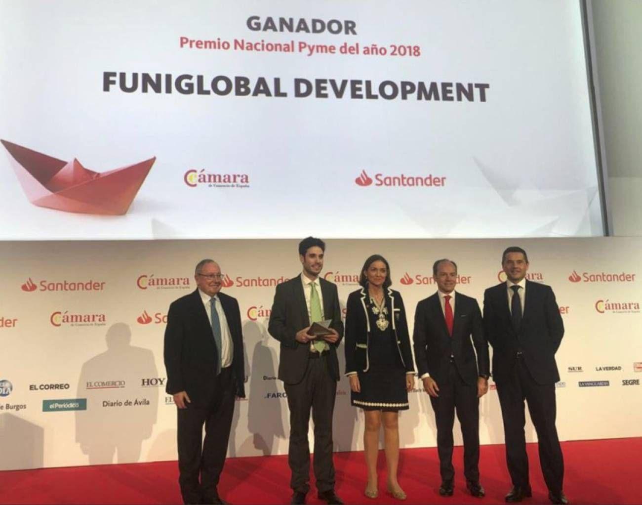 Foto de Funidelia recoge el Premio a Pyme del Año 2018