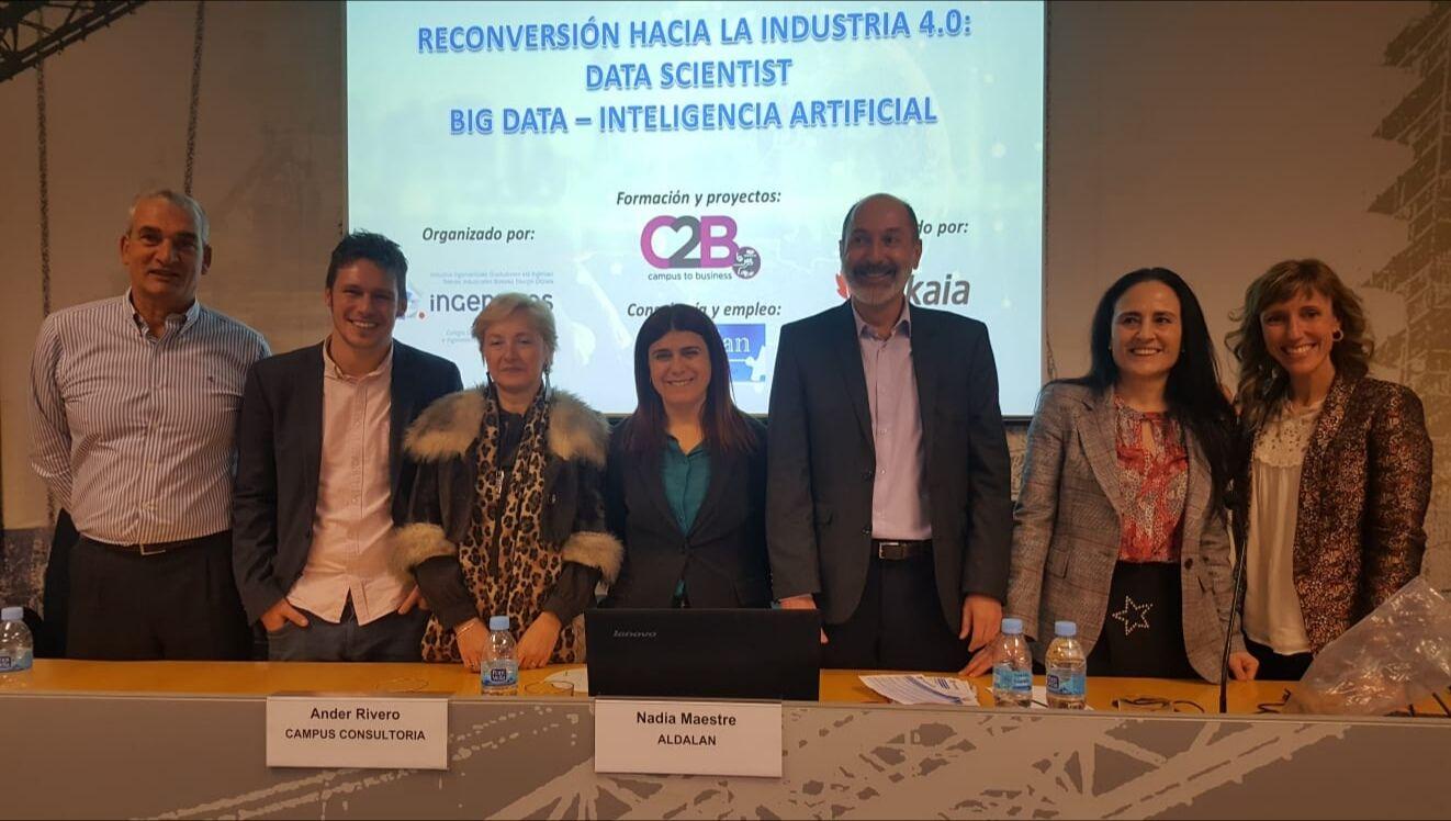 """Foto de Ingenieros BIZKAIA presenta el curso """"Hacia la Industria"""