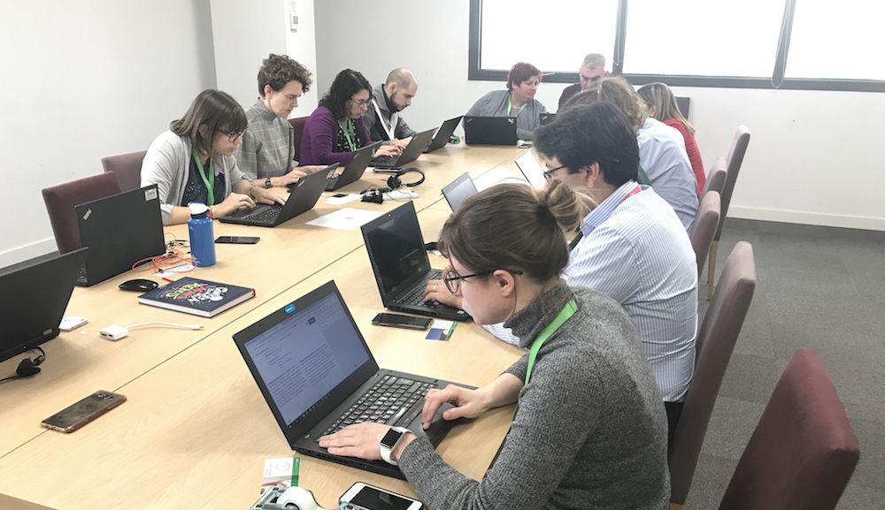 Schneider Electric organiza una Wikithon para dar visibilidad a las mujeres STEM de la historia
